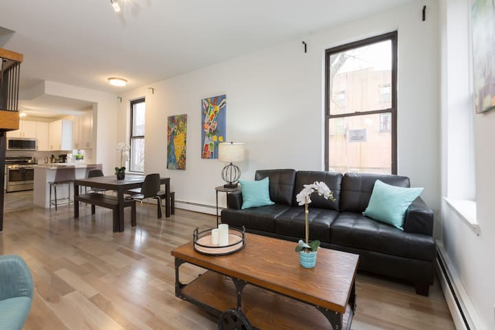 Dreamy 3 BR/2 BA Apartment- 15 mins to NYC!