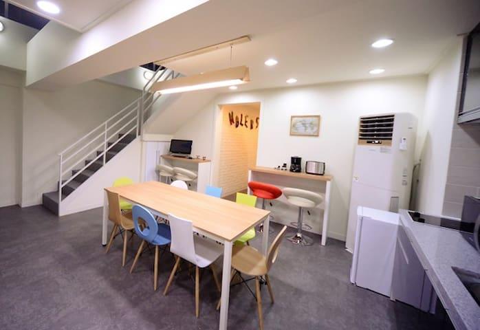테라스가 있는 남포동 놀게스트하우스(4층)