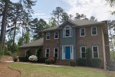 BEAUTIFUL HOUSE FOR MASTERS WEEK WITH HEATED POOL