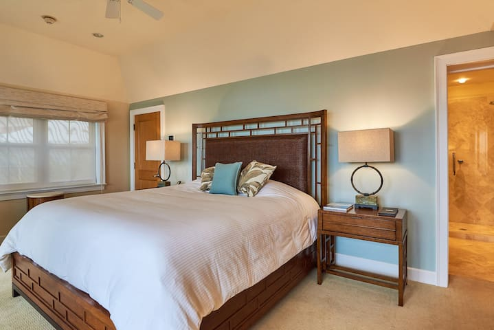The WaterFront Residence, Room # 5, Bermuda