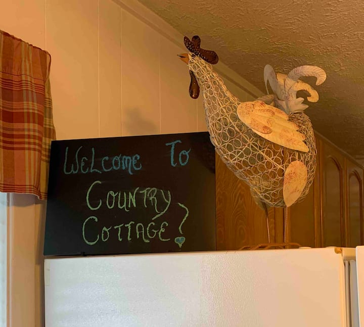 COUNTRY COTTAGE at Whistlepig Ridge