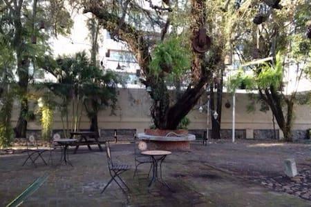 Habitación privada en Jardín Encant - León