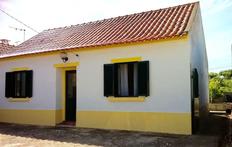 Maison au calme dans joli village ! - carvalhal - Huis