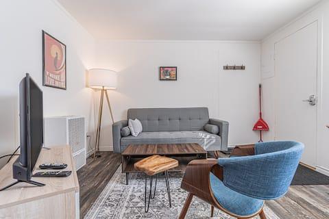 Southampton Beach House Suites - Parking + BBQ