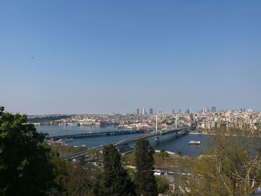 can choose a cafe in the neighborhood to view the Golden Horn of Sea