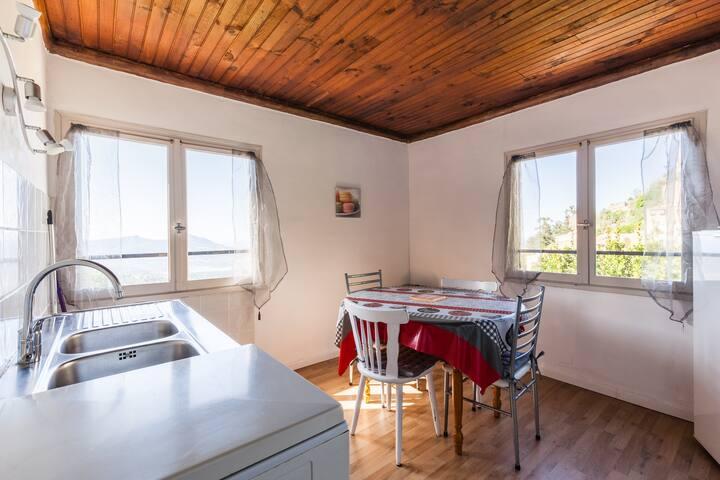 Appartement n°2 45m² rez de jardin, vue superbe