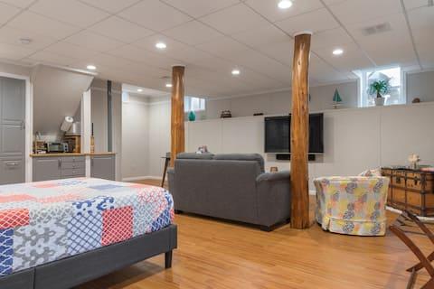Spacious & Private Suite   Next to Boston & Beach