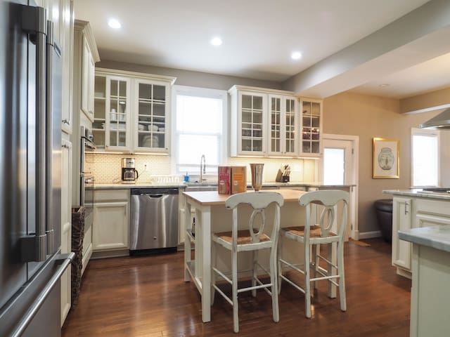 New Whole House 7 Bed/6 Bath House Just Outside DC - Hyattsville - Maison