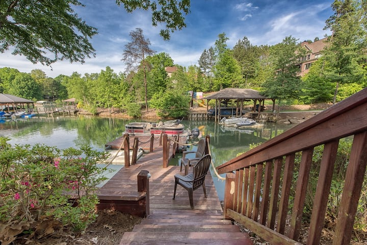 Luxurious Spacious Lake Norman Vacation Home | Private Dock | Lake Access