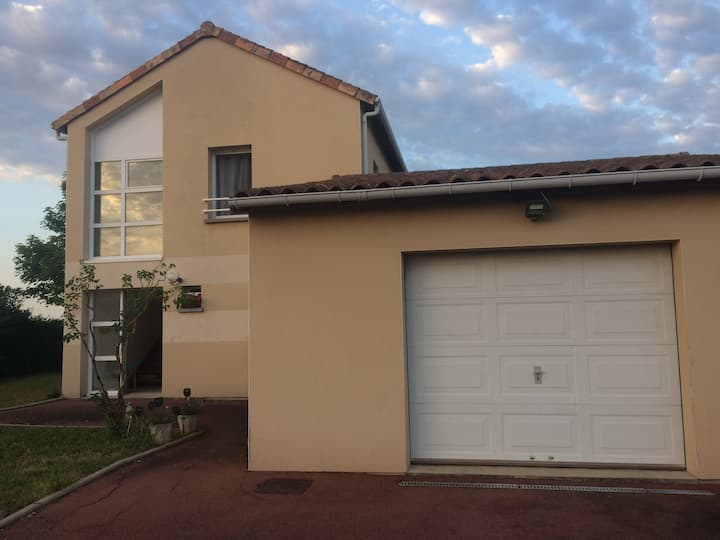 Chambre 20min Poitiers / 5min Civaux (rouge)