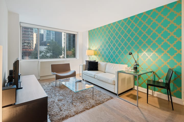 Modern, Professionally Cleaned One Bedroom in Flatiron