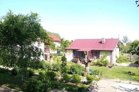 Летний домик Чара-Ласта - House