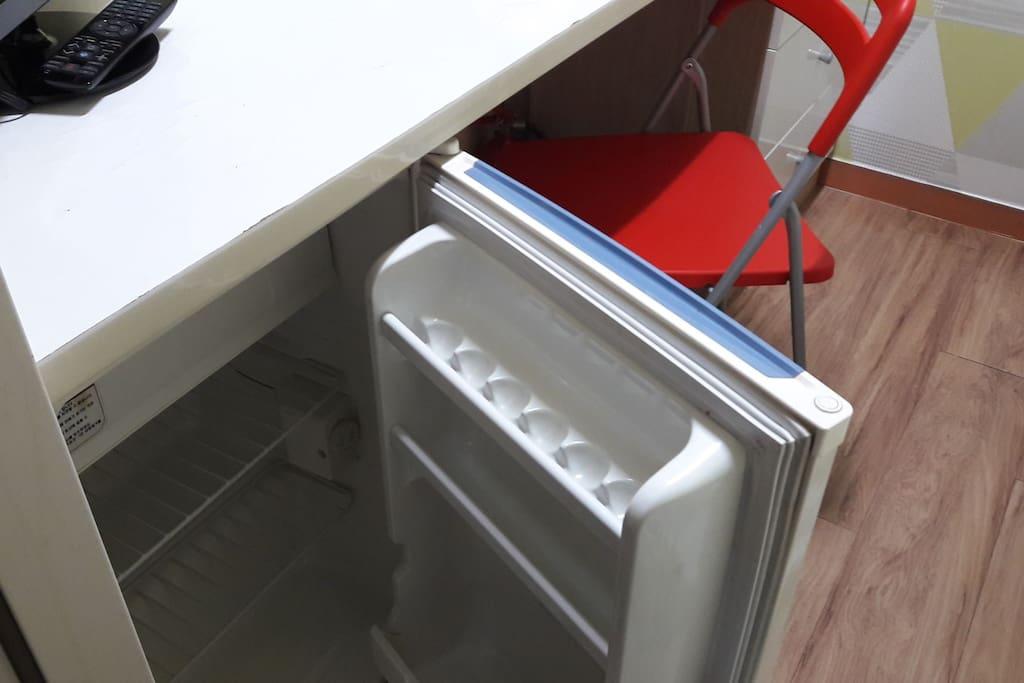 Private Refrigerator