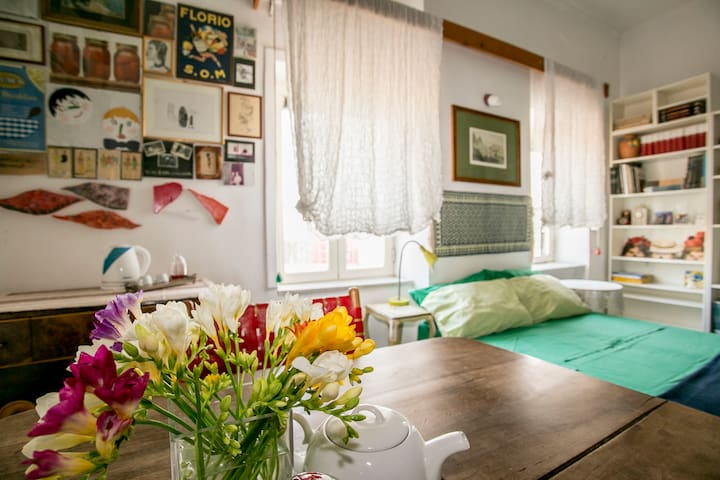 Confortable chambre - plein centre