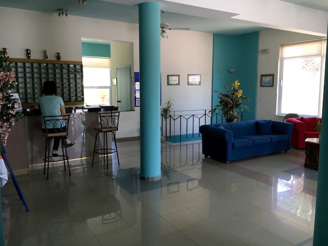 SEAFRONT HOTEL APT. - Adelianos Kampos - Wohnung