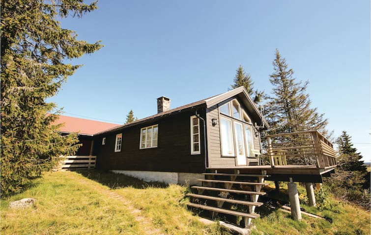 Holiday cottage with 3 bedrooms on 105 m² in Sjusjøen