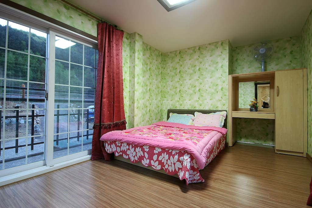 침실1 Bedroom