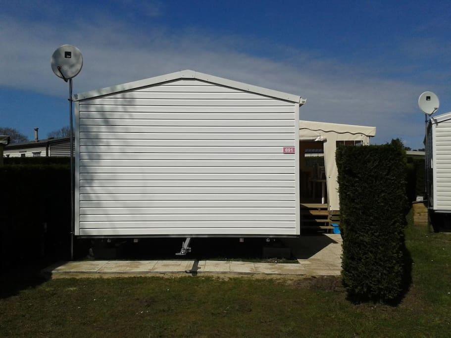 Mobil Home vu du parking