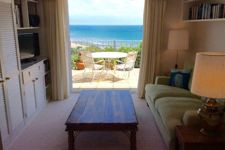 Stunning Balcony Suite - Charmouth