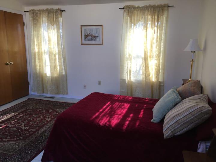 Spacious Room in Fabulous Area