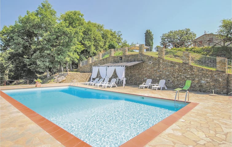 Holiday apartment with 3 bedrooms on 80m² in Palazzo Del Pero AR