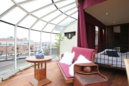 Glass penthouse with suburb city view