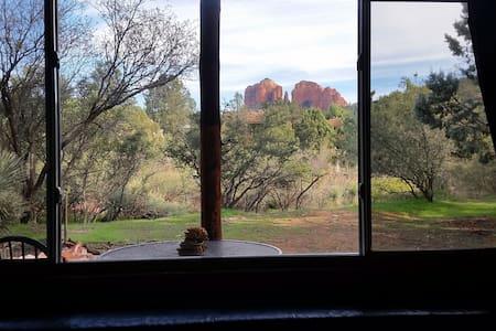 Cabin near Oak Cr, Red Rock views  - Sedona