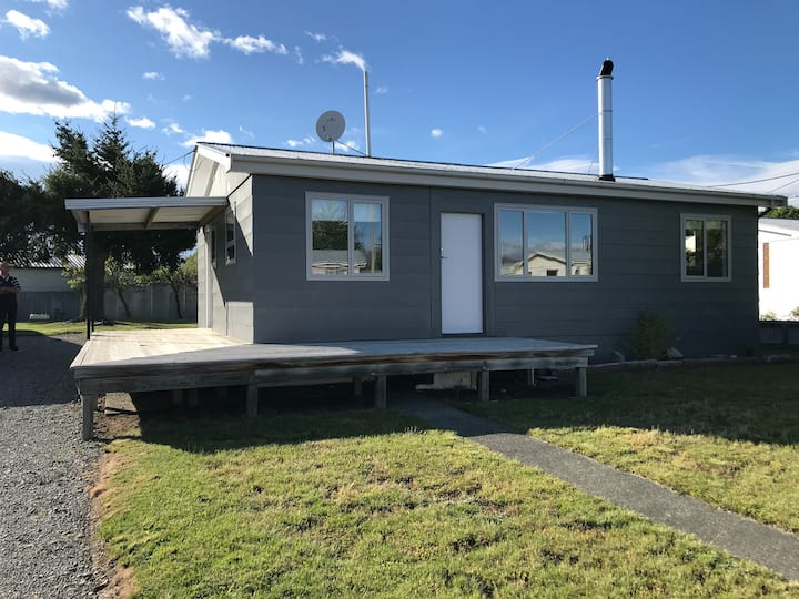 Beautiful & Private Twizel House, Town Centre