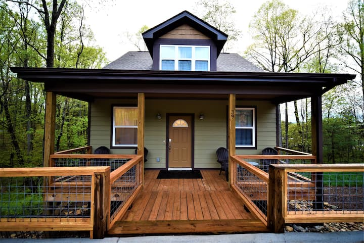 New Asheville Craftsman Minutes From Downtown