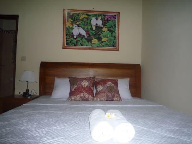 SHINDU ROOM 4