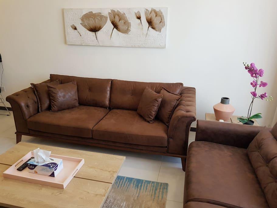 Living room 1/2