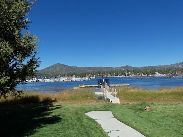 Lake, Dock, Pool, Spa,Tennis Courts - Big Bear Lake - Apartament