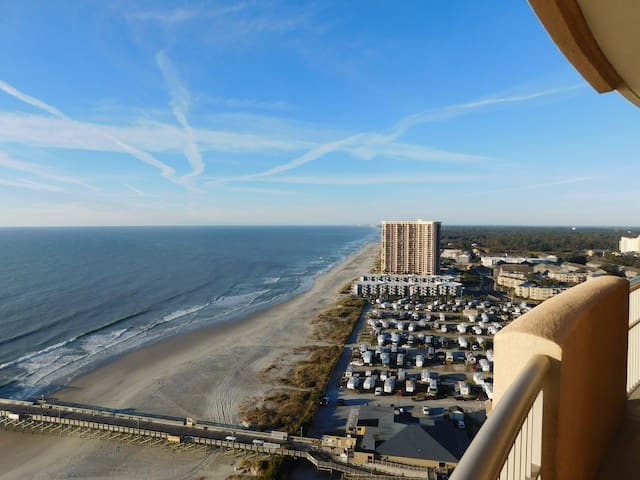Oceanfront Best Views - Spacious - New Furniture!