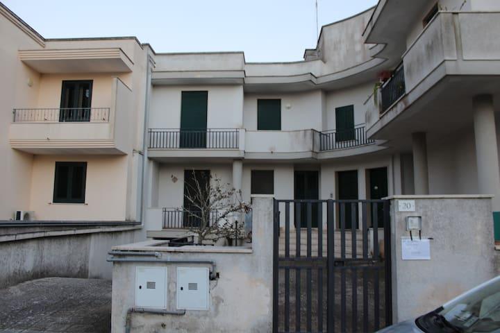 Appartamento De Mol - Uggiano La Chiesa - Huoneisto