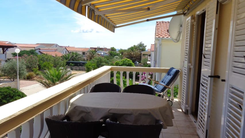 One bedroom apartment with terrace Vir (A-17069-a)