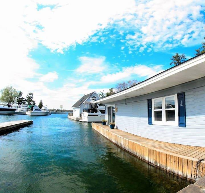 The Boathouse Cottage @ The Ledges Resort & Marina
