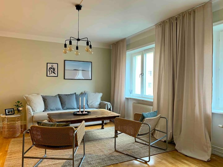Stunning spacious apartment in beautiful area