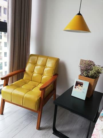 《晴雨阁》是一位梦想成为设计师的宝妈精心装修的阳光屋,温馨而舒适,适合家庭旅行居住。