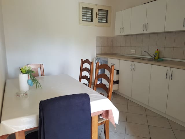 Apartment close to beach with free parking