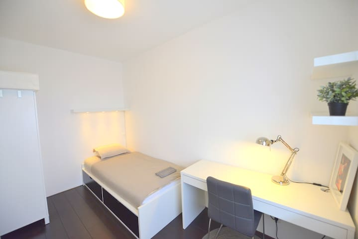 Private room in a modern apartment near citybeach - Amsterdam - Byt