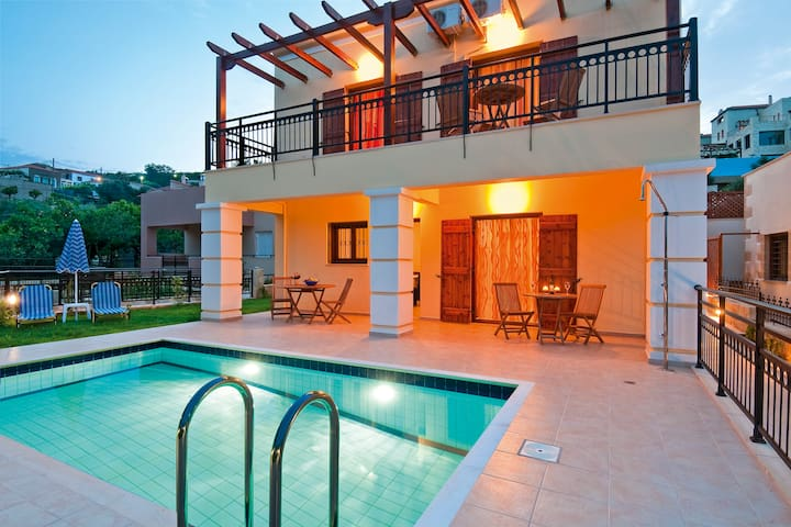 Villa pool & outdoor jacuzzi,3bedrooms,BBQ,wifi - Spilia