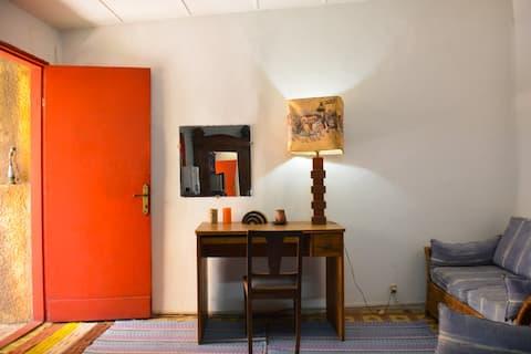 Studio dans jardin d'une maison . Plateau Dakar