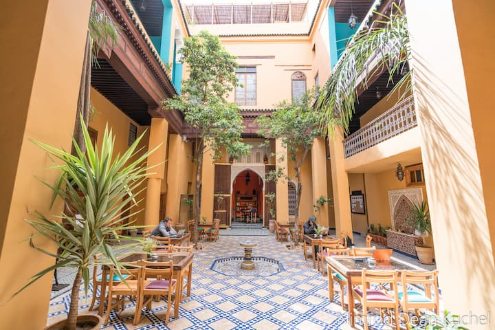 1 bed in a mixt dormitory in a traditional Riad