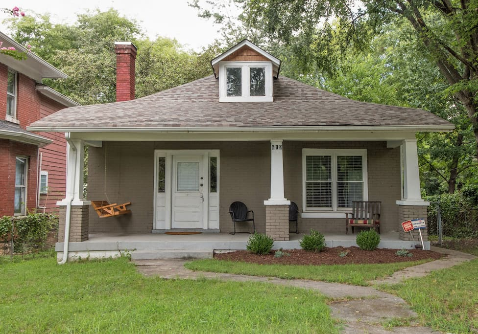 This stately three bedroom home is your convenient home away from home when you're in Nashville.