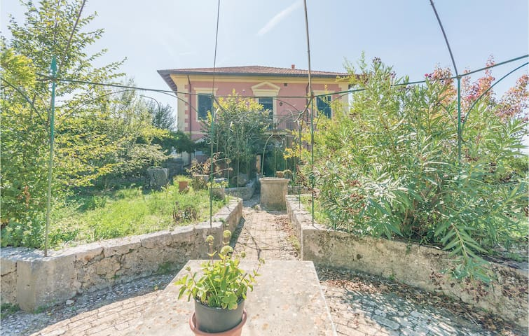 Semi-Detached with 2 bedrooms on 100m² in Arpino -FR-