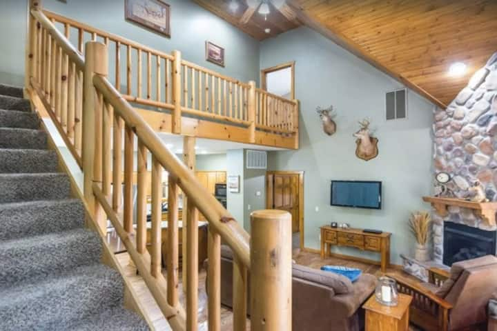 ☀️  🌻  SPRING  SPECIAL ☀️  🌻  ( $250 A NIGHT UNTIL THE END MARCH )  6BR & 6BA-  Outdoor Pool Area 🏊     -Hot Tub♨️   - Game Room 🎮   Deer Valley Lodge