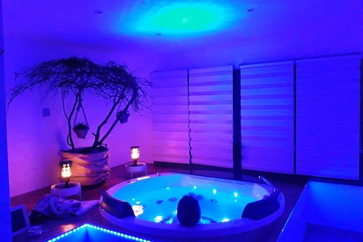 Studio loft, balnéo 2 pers, sauna, détente assurée