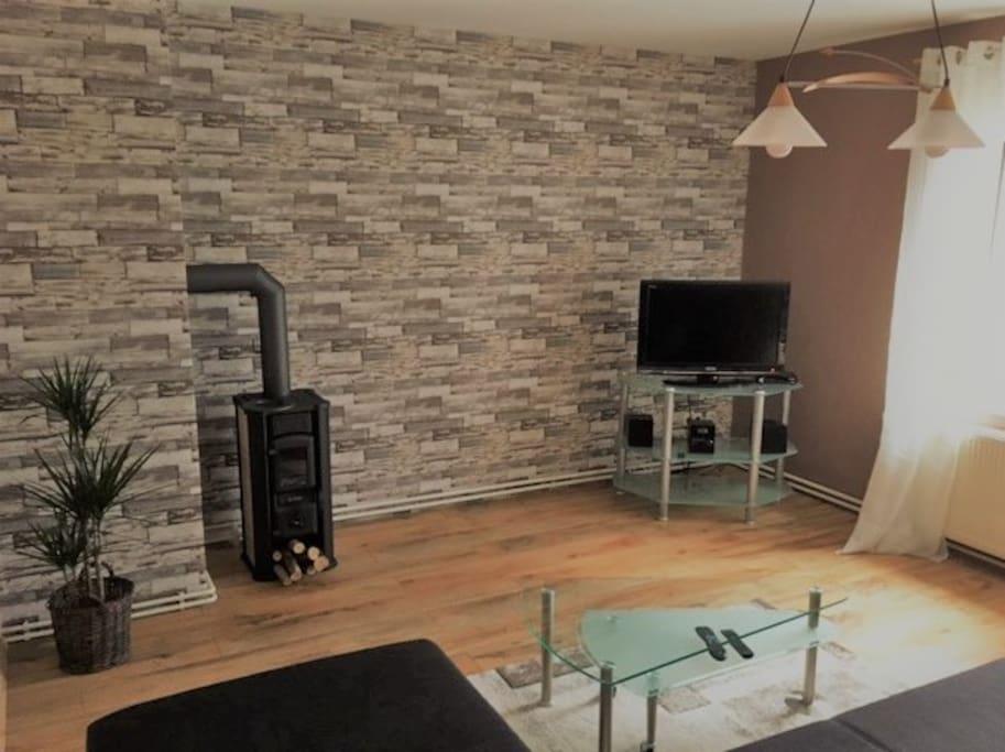 Wohnzimmer mit Kaminofen