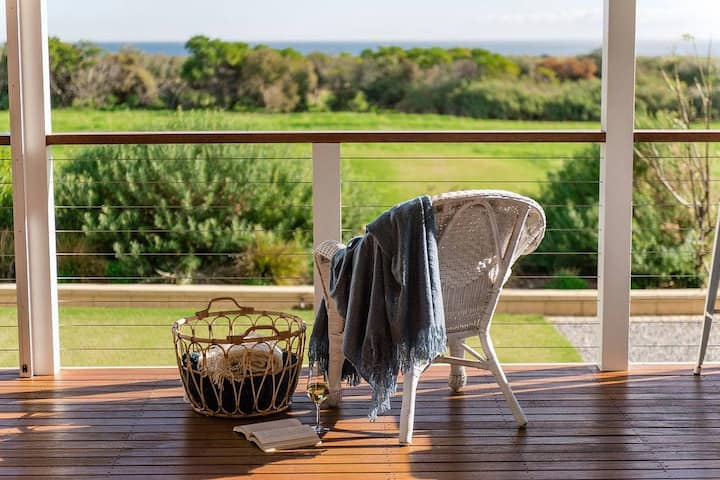 Aldinga Bay Bungalow Ocean Views Retreat
