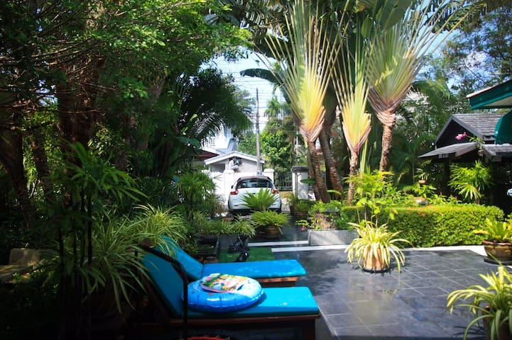 Beautiful garden,Life convenience,Affordable Suite